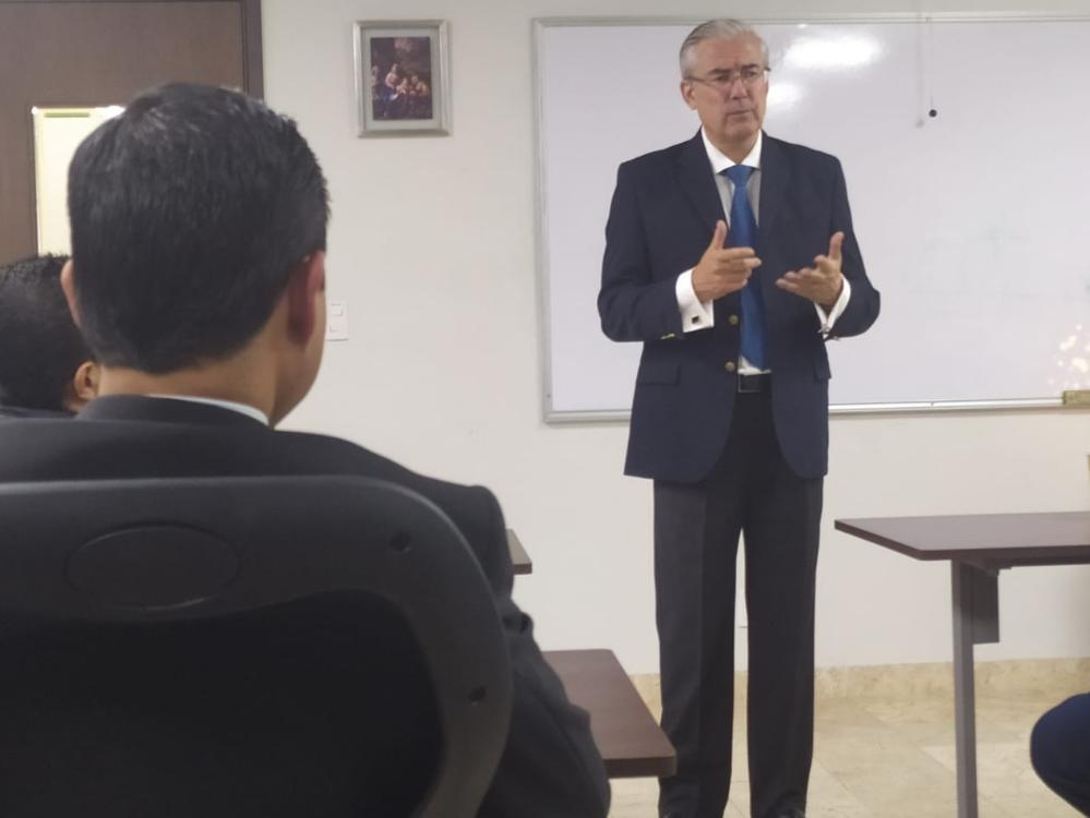 Conferencia Del Prof. Jaime Rodríguez-Arana En La Maestría De Derecho Administrativo De La Universidad Panamericana